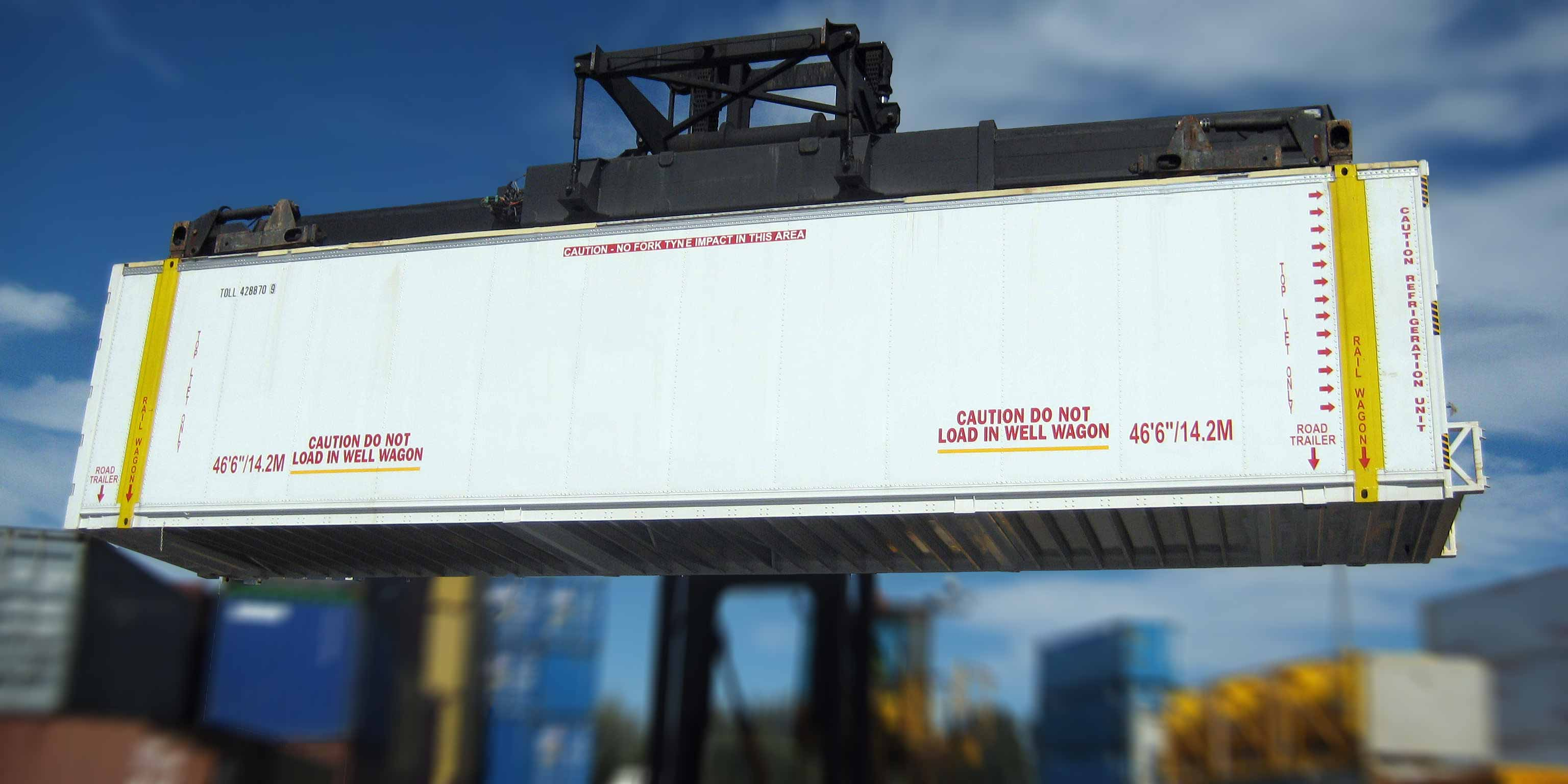 "46'6"" refrigerated container with light-weight aluminium construction and vertical tracking load bars."
